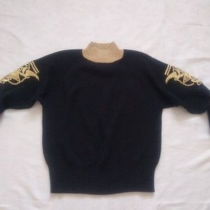 Rare find ❤️Vintage knit gold embroidery boxy